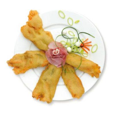 Fiori di zucca con mozzarella e prosciutto pastellati prefritti